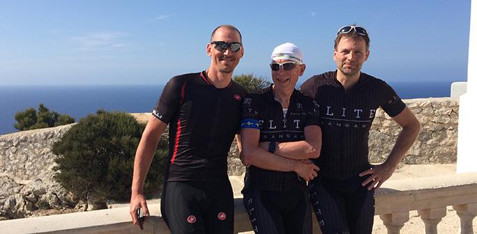 3 cyklister vid Cap Formentor