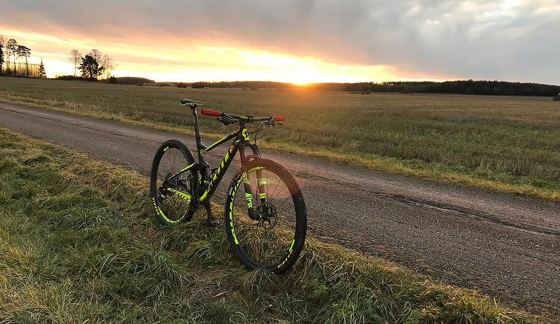 Scott MTB i solnedgång